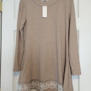 Tops - NWT long sleeve lace trim tunic